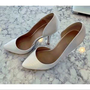 Juicy Couture Faux Snakeskin White Pumps Size 7